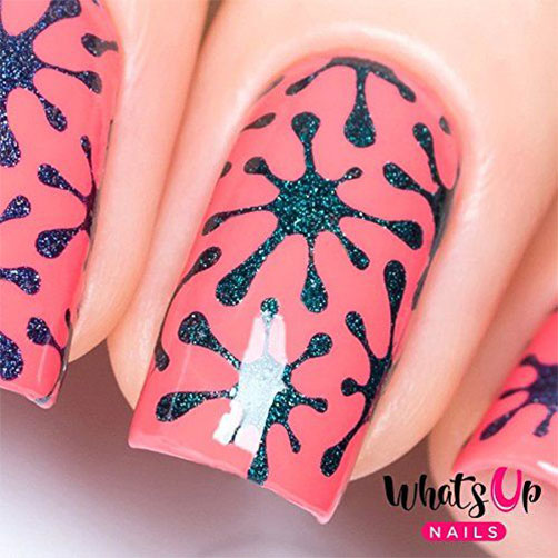 10-Amazing-Nail-Stencils-For-Halloween-2018-9