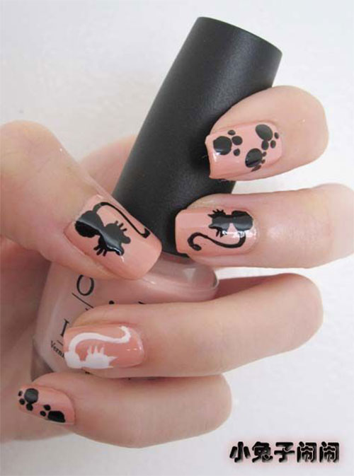 12-Cute-Scary-Halloween-Black-Cat-Nails-Art-Ideas-2018-6