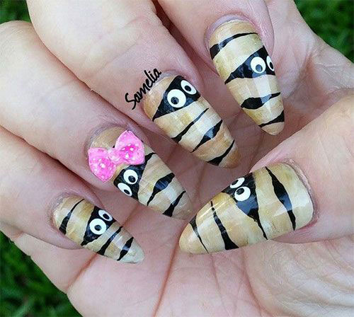 18-Creepy-Halloween-Mummy-Nails-Art-Designs-Ideas-2018-17