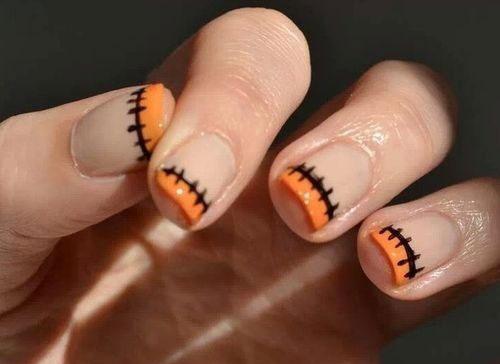 25-Very-Easy-Simple-Halloween-Nails-Art-Designs-2018-17
