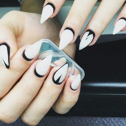 25-Very-Easy-Simple-Halloween-Nails-Art-Designs-2018-25