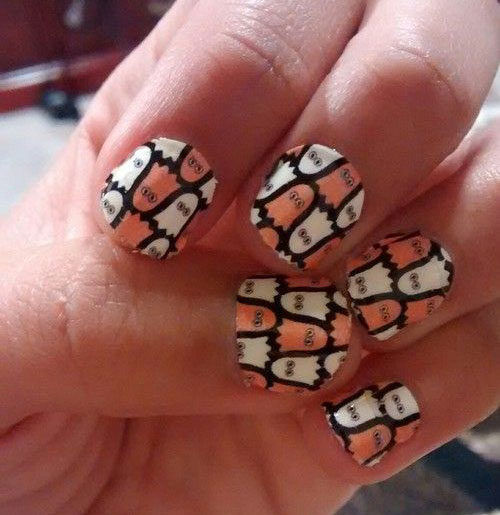 30-Spooky-Halloween-Ghosts-Nail-Art-Ideas-2018 -Boo-Nails-13