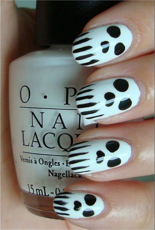 30-Spooky-Halloween-Ghosts-Nail-Art-Ideas-2018 -Boo-Nails-4