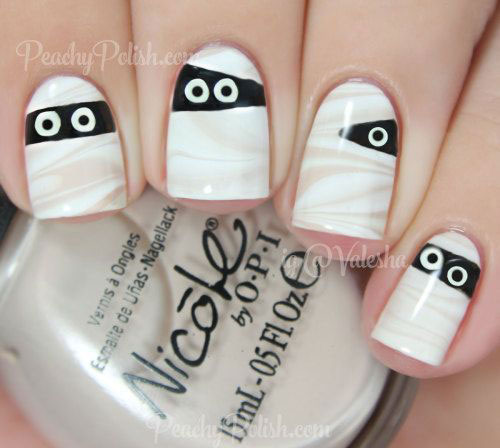 30-Spooky-Halloween-Ghosts-Nail-Art-Ideas-2018 -Boo-Nails-7