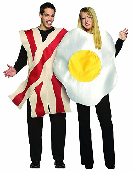 15-Funny-Halloween-Costume-Ideas-For-Couples-2018-1