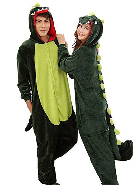 15-Funny-Halloween-Costume-Ideas-For-Couples-2018-16