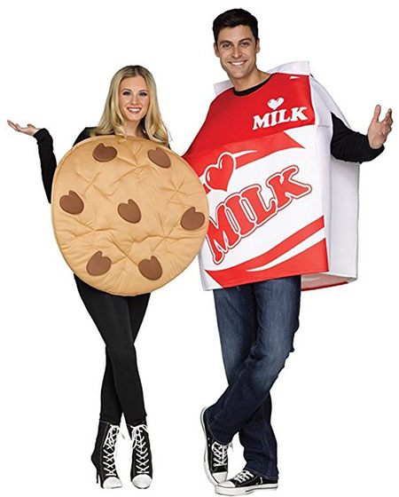 15-Funny-Halloween-Costume-Ideas-For-Couples-2018-8
