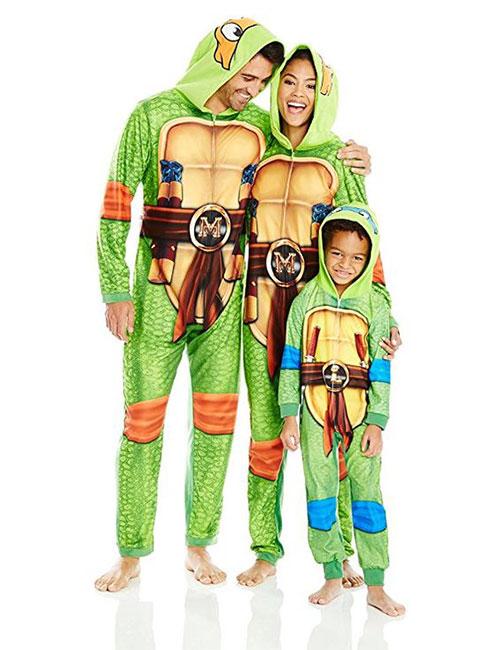 Family-Themed-Halloween-Costume-Ideas-2018-2