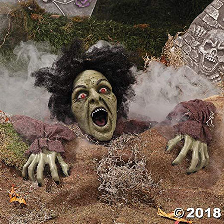 15-Awesome-Halloween-Party-Decorations-Stuff-Props-2018-13