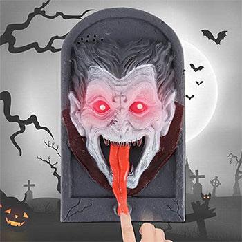15-Creepy-Halloween-Door-Decoration-Ideas-2018-13