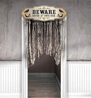 15-Creepy-Halloween-Door-Decoration-Ideas-2018-5