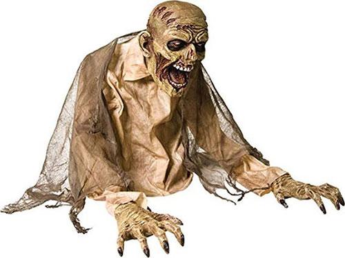 15-Scary-Halloween-Outdoor-Decoration-Ideas-2018-13