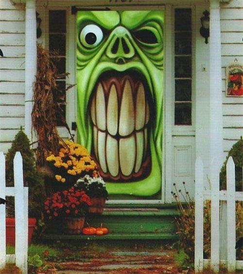 15-Scary-Halloween-Outdoor-Decoration-Ideas-2018-4
