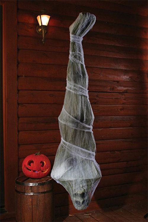 15-Scary-Halloween-Outdoor-Decoration-Ideas-2018-5