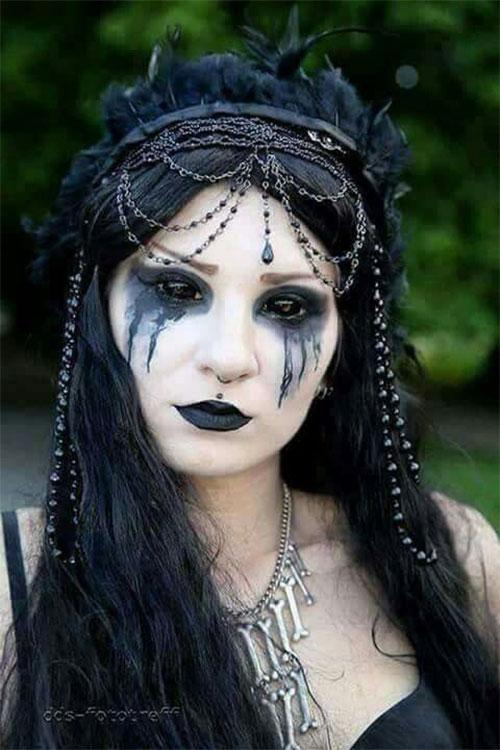 12-Gothic-Halloween-Makeup-Ideas-Styles-Looks-2018-11
