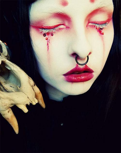 12-Gothic-Halloween-Makeup-Ideas-Styles-Looks-2018-9