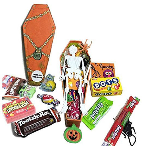 12-Unique-Halloween-Themed-Gift-Treat-Baskets-For-Kids-Adults-2018-10