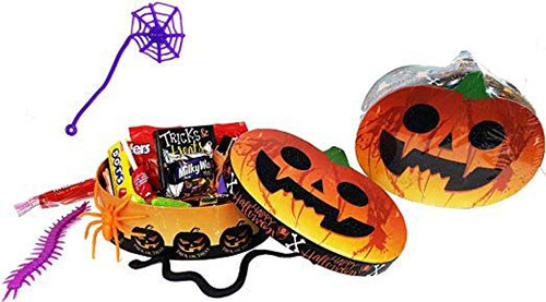 12-Unique-Halloween-Themed-Gift-Treat-Baskets-For-Kids-Adults-2018-11