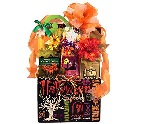 12-Unique-Halloween-Themed-Gift-Treat-Baskets-For-Kids-Adults-2018-4