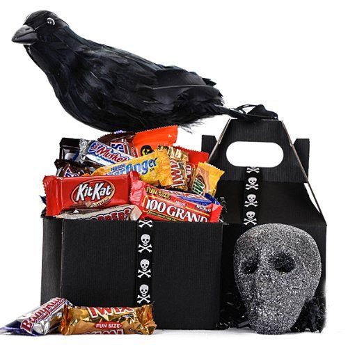 12-Unique-Halloween-Themed-Gift-Treat-Baskets-For-Kids-Adults-2018-5