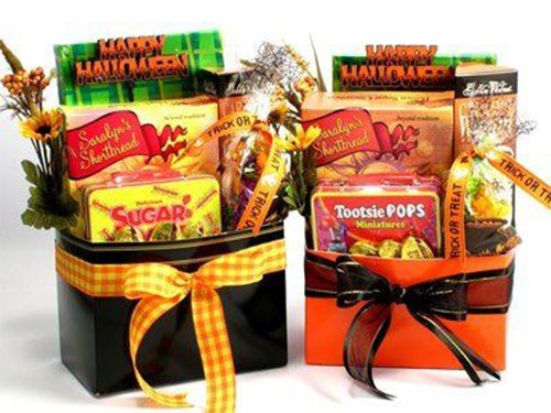 12-Unique-Halloween-Themed-Gift-Treat-Baskets-For-Kids-Adults-2018-8