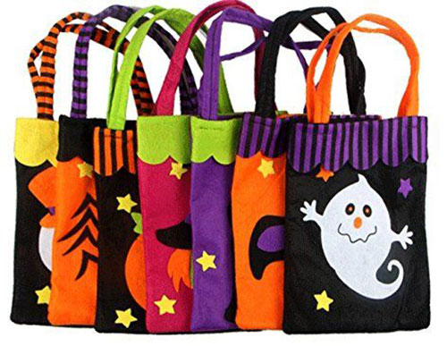 15-Cute-Halloween-Themed-Gift-Bag-Ideas-For-Kids-Adults-2018-10