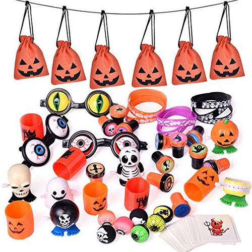 15-Cute-Halloween-Themed-Gift-Bag-Ideas-For-Kids-Adults-2018-12