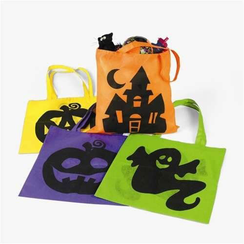 15-Cute-Halloween-Themed-Gift-Bag-Ideas-For-Kids-Adults-2018-13