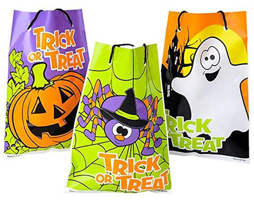 15-Cute-Halloween-Themed-Gift-Bag-Ideas-For-Kids-Adults-2018-6