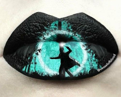 25-Amazing-Halloween-Lip-Makeup-Ideas-Looks-2018-11