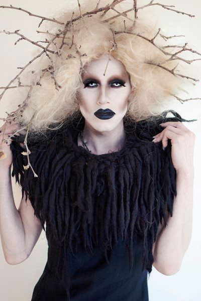 30-Creepy-Spooky-Halloween-Hairstyle-Ideas-For-Girls-Women-2018-5