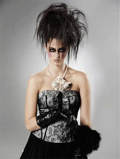 30-Creepy-Spooky-Halloween-Hairstyle-Ideas-For-Girls-Women-2018-6