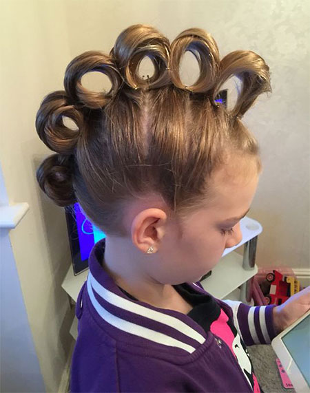 50-Crazy-Funky-Halloween-Hairstyles-For-Little-Girls-Kids-2018-37