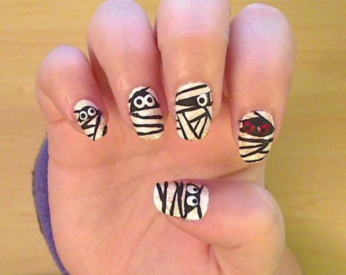15-Halloween-Mummy-Nails-Art-Designs-Ideas-2019-9