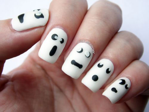 30-Scary-Halloween-Ghost-Nail-Art-Designs-Ideas-2019-Boo-Nails-14