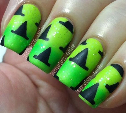 15-Last-Minute-Quick-Scary-Halloween-Nails-Art-Designs-2019-10
