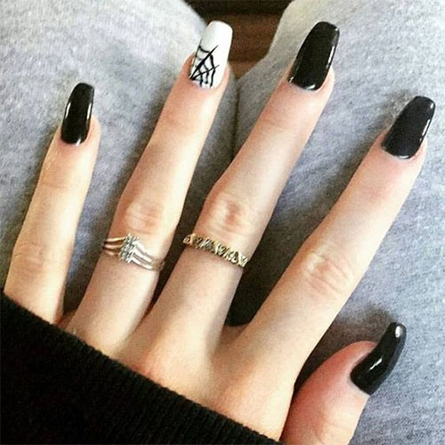 15-Last-Minute-Quick-Scary-Halloween-Nails-Art-Designs-2019-3