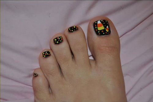 18-Amazing-Halloween-Themed-Toe-Nails-Art-Designs-Ideas-Trends-2019-17