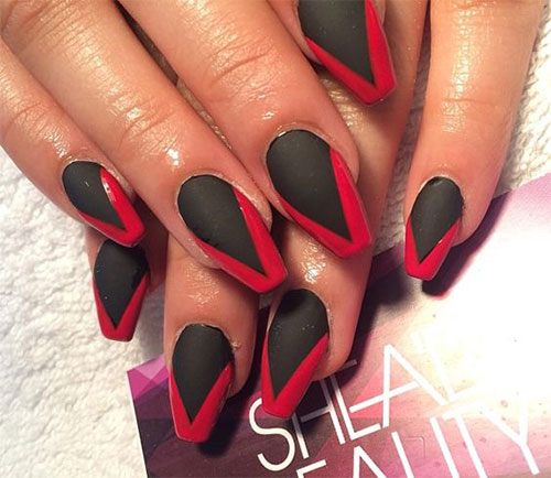 20-Creepy-Halloween-Black-Red-Nails-Art-Designs-Ideas-2019-Nail-Polish-4