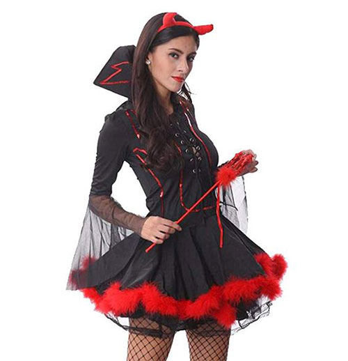 20-Spooky-Halloween-Vampire-Costume-Ideas-For-Kids-Men-Women-2019-17