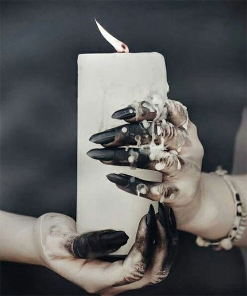 25-Horror-Scary-Halloween-Witch-Nails-Art-Designs-Ideas-2019-17