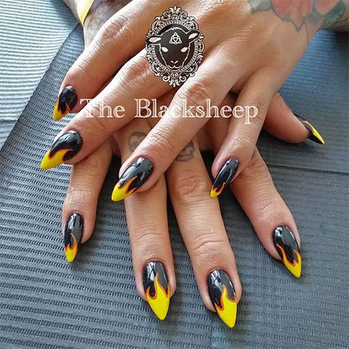 25-Horror-Scary-Halloween-Witch-Nails-Art-Designs-Ideas-2019-6