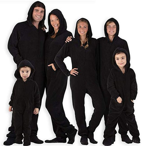 12-Quick-Easy-Family-Themed-Halloween-Costume-Ideas-2019-3
