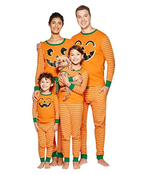12-Quick-Easy-Family-Themed-Halloween-Costume-Ideas-2019-6