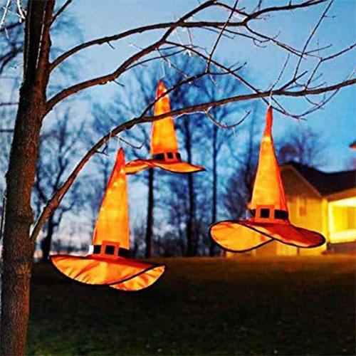 15-Cool-Amazing-Halloween-Light-Decoration-Ideas-2019-4