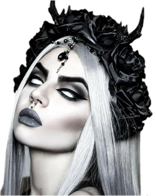 18-Horrifying-Devil-Halloween-Face-Makeup-Ideas-Styles-Trends-2019-13