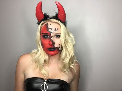 18-Horrifying-Devil-Halloween-Face-Makeup-Ideas-Styles-Trends-2019-18