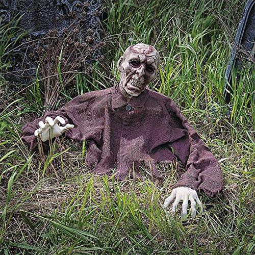 18-Very-Scary-Horror-Halloween-Yard-Decoration-Ideas-2019-4