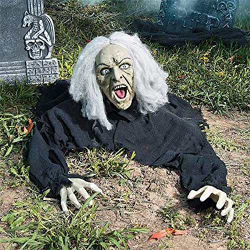 18-Very-Scary-Horror-Halloween-Yard-Decoration-Ideas-2019-6
