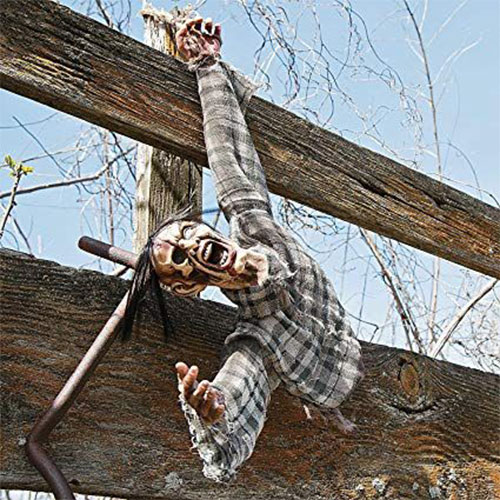 20-Very-Scary-Creepy-Halloween-Outdoor-Decoration-Ideas-2019-14